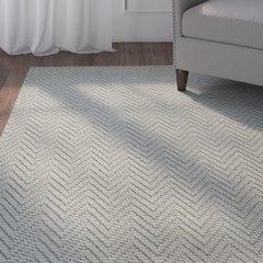 THREE POSTS tapis gris